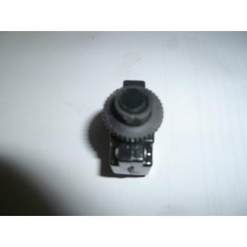 Автомат защиты-кнопка (брекер) 15A ,250V AC